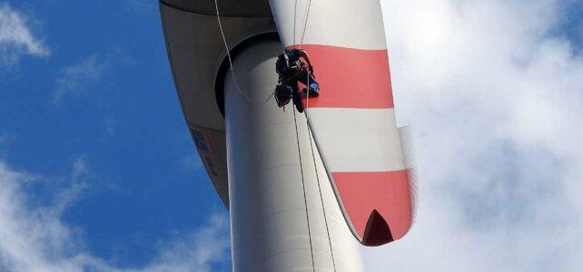 Rotorblattkontrolle an einer Windenergieanlage im Rahmen einer Wiederkehrenden Prüfung
