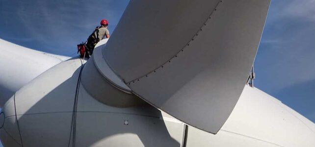 Während einer Wiederkehrenden Prüfung an einer Windenergieanlage.